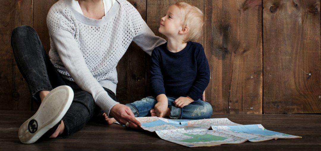 Неправилното седене при децата, как да го коригираме?